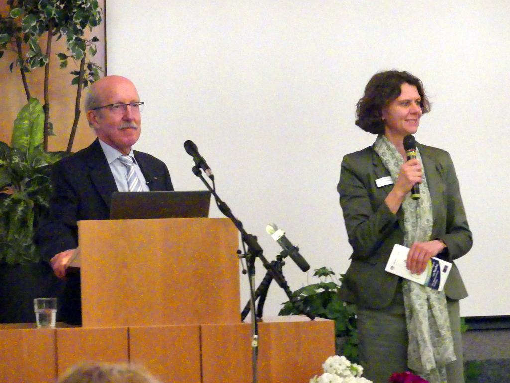 Dr. Arne Hofmann   Dr. Heike Thomas